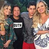 <p>A apresentadora Eliana vestiu bata Maria Valentina em entrevista no seu programa.</p>